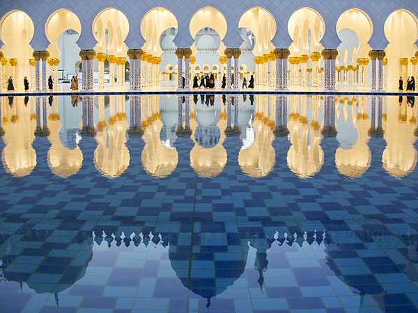 reflections-sheikh-zayed-grand-mosque_67983_600x450.jpg