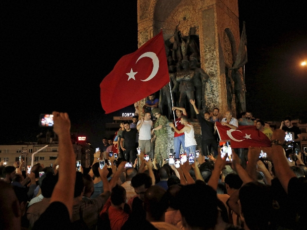 turkey-coup-bomb-attack-at-parliament-in-ankara-14686591259681