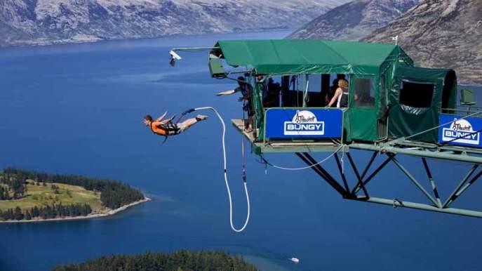 Queenstown bungee jump